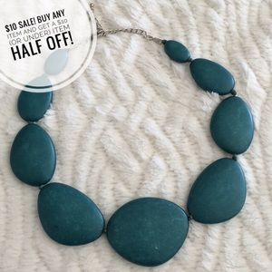 Jewelry - Green stone necklace
